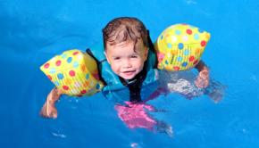 enfant-piscine
